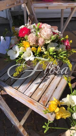 Кутия с цветя Бени