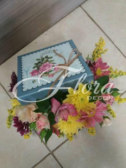 Кутия с цветя сладост